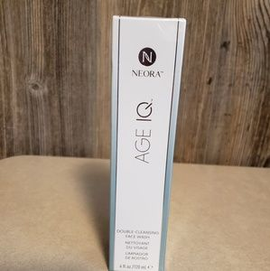 Neora double cleansing face wash